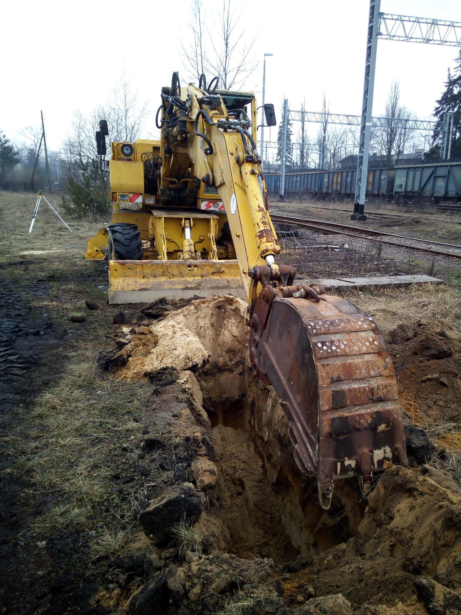 kopanie koparką kanalizacji